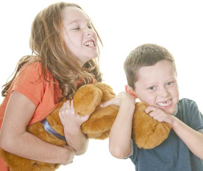 come insegnare l'altruismo ai bambini