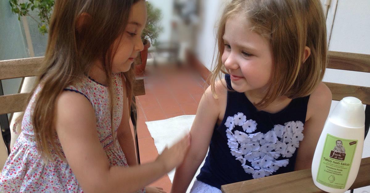 proteggere la pelle dei bambini d'estate