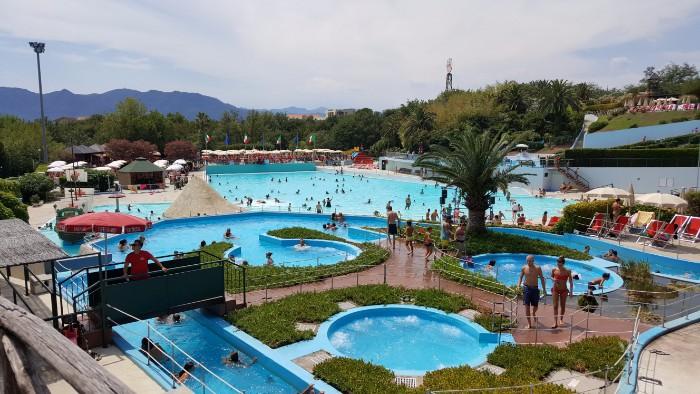 Il parco acquatico le caravelle brividi sulle orme di for Caravelle piscine