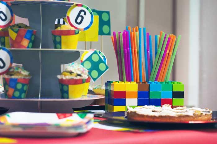 Festa a tema costruzioni colorate