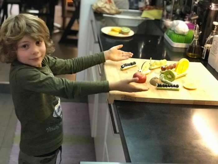 preparare una merenda per i bambini con verdura