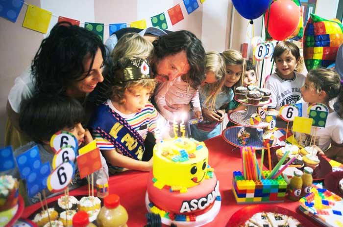 torta di compleanno a tema costruzioni