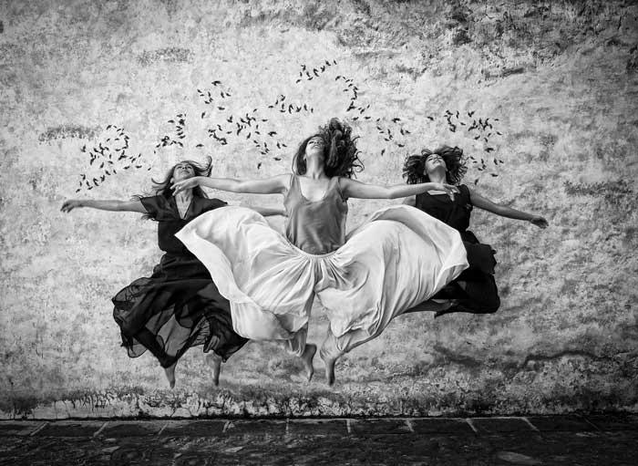 donne che fanno acrobazie