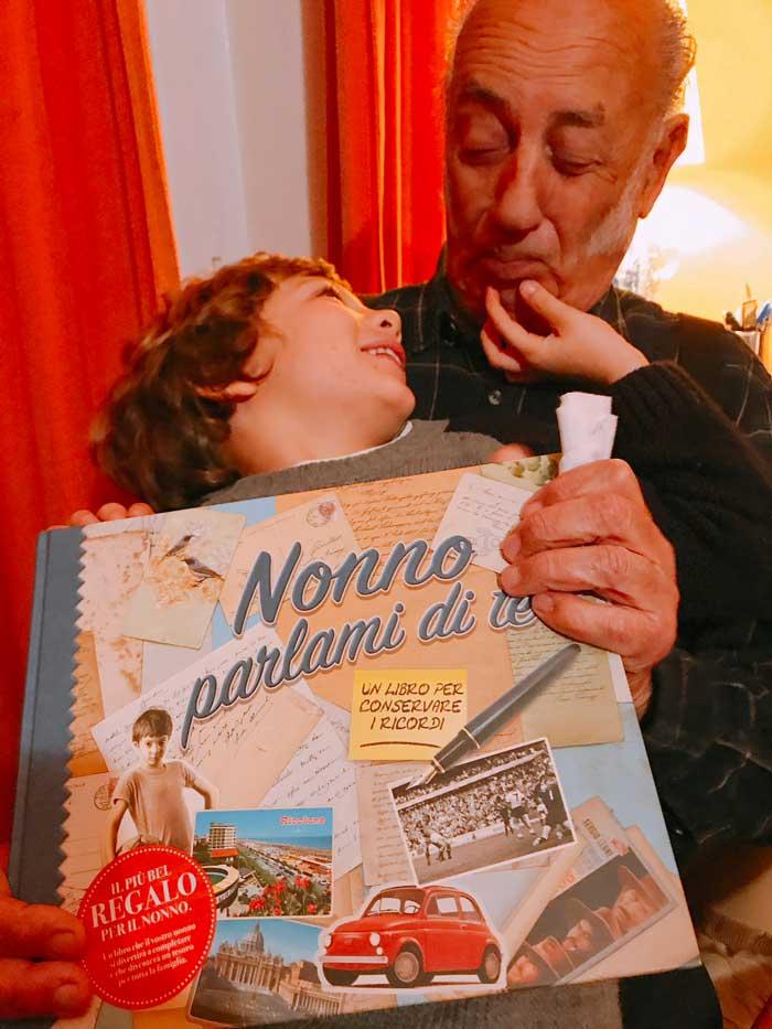 nonno-parlami-di-te-regalo-per-nonno