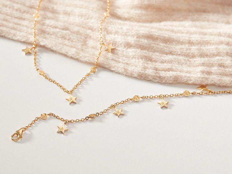 marica-merci-maman-star-necklace-bracelet-lifestyle