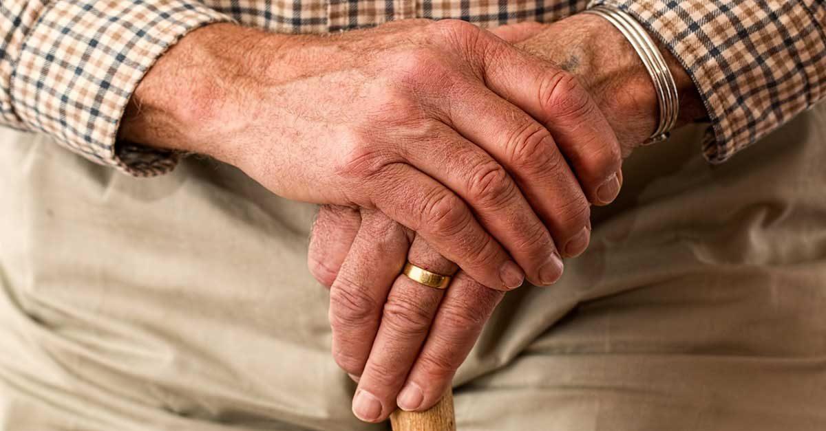 anziano-in-casa-soluzioni