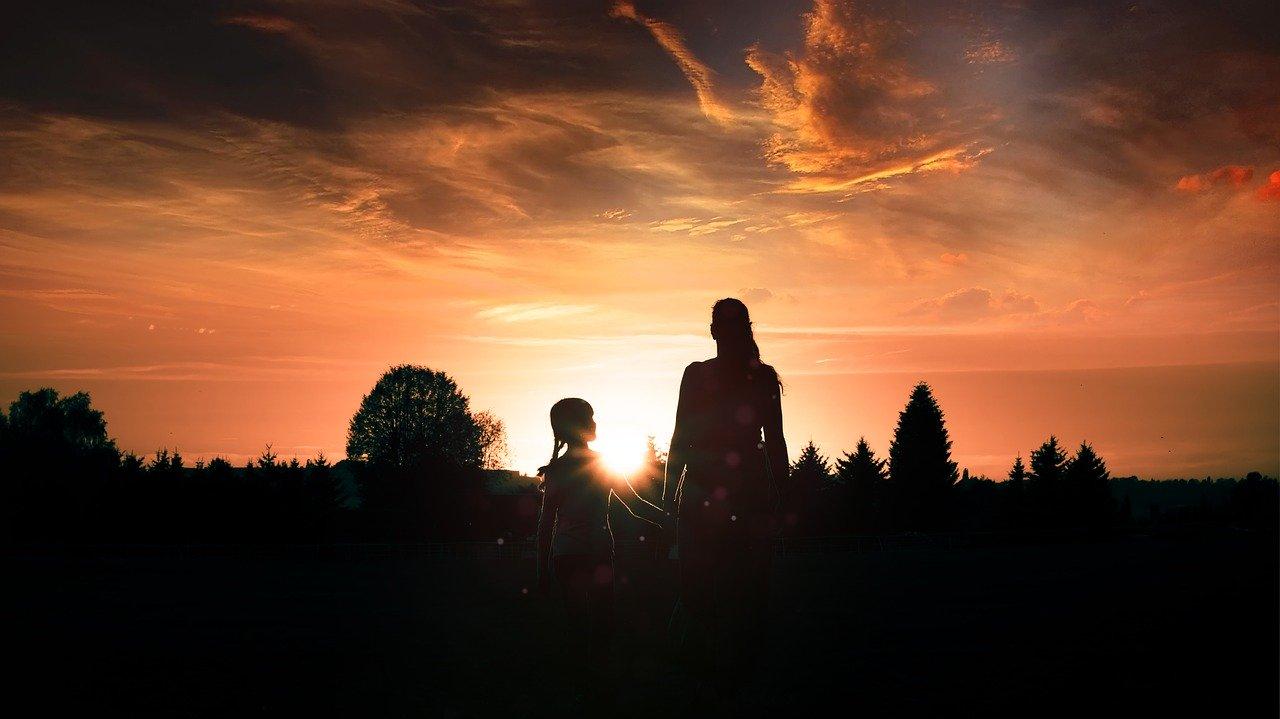 rapporto-mamma-figlia-femmina