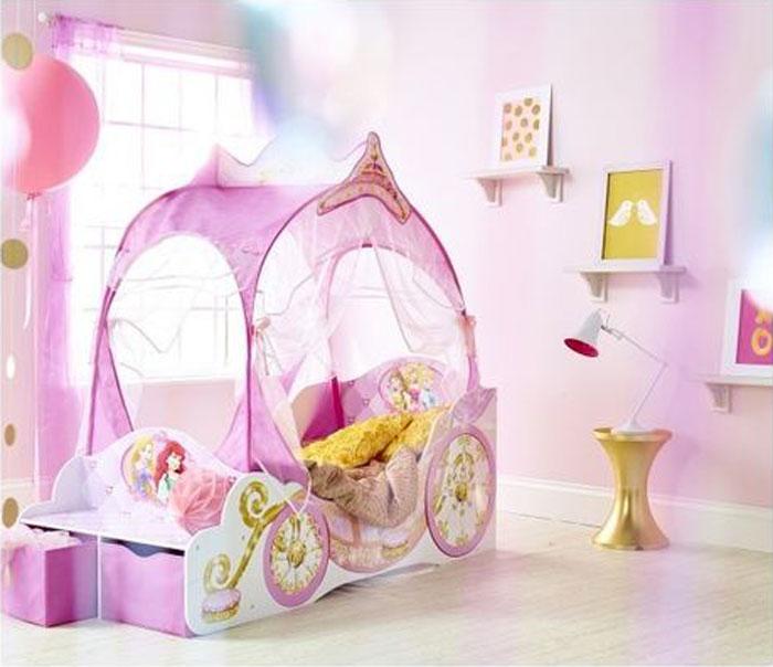 lettino-a-forma-di-carrozza-delle-principesse-per-bambine