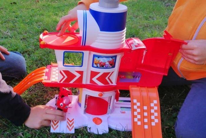 La casa giocattolo di Ricky Zoom